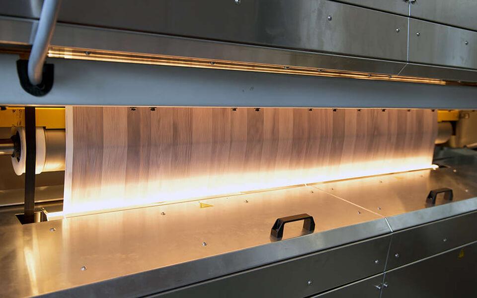 La stampa di un laminato effetto legno