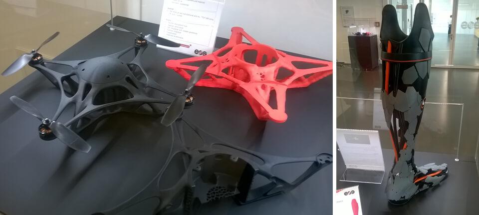 Esempi applicativi realizzati con macchine EOS: parti per droni e, a destra, una protesi ad alta personalizzazione.