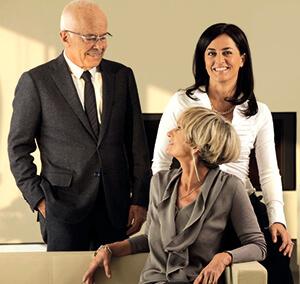 Valeria Cavalcante (al centro), amministratore delegato di Vagheggi, con i genitori Franca Gualtiero, responsabile estero e formazione, e Vittorio Cavalcante, presidente.