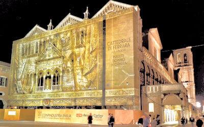 Le affissioni finanziano i restauri, un'alleanza vincente tra pubblicità, sponsor e città